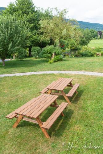 Les tables de l'espace commun